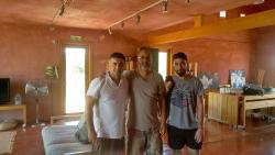 Μαζί με τον Φραγκίσκο Καρέλα και τον Μπάμπη Κιτσέλλη