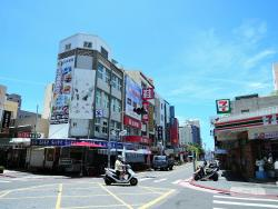 Zhongzheng Road Shopping Area
