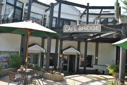 Cafe Bridge