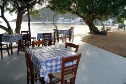 Idrousa Tavern