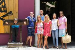Islandz Tours - Cultural Walking Tours of Downtown Nassau