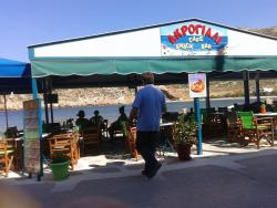 Akrogiali Cafe-Snack bar