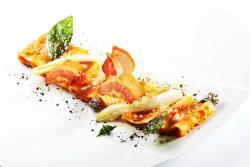 Paccheri freschi, salsa affumicata e pecorino
