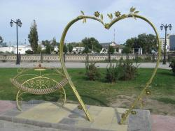 Sculpture Lovebirds Bench