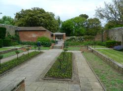 Connaught Gardens