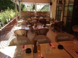 Le Wilson Cafe Restaurant
