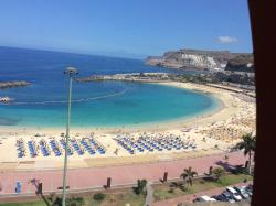 Amazing beach withe restaurants 2 mins from hotel