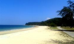 Teluk Kalong Beach