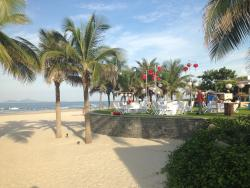 beautiful resort , wide and modern !