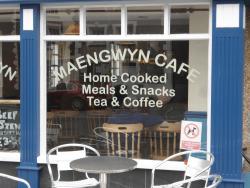 Maengwyn Cafe