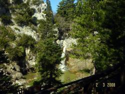 Trail to waterfall Drimona - Evia