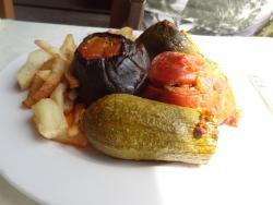 Feines Gemüse, gefüllt mit Fleisch