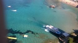 Vene vie mm.Alicanteen ja viereiselle saarelle