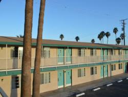 布萊斯騎士旅館