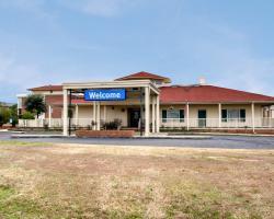 Clarion Inn University