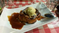 Boudin noir et ses 2 pommes et brioche perdue caramel au beurre salé. Un vrai délice!