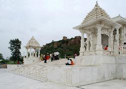 비를라 만디르 사원 (락슈미 나라얀 만디르)