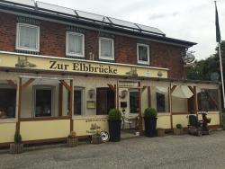 Zur Elbbrucke