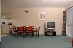 Motel 384