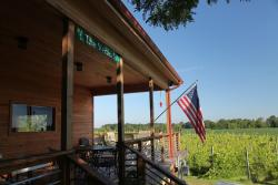 Sandhill Crane Vineyards and Crane Cafe