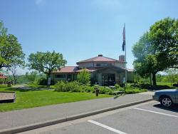Great River Road Visitor and Learning Center