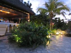 Raffles Praslin Pool Restaurant and Bar