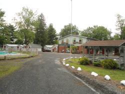 Flower Field Inn & Cottages