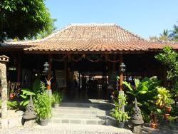 Senthong Sari Restaurant