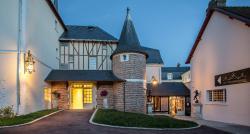 Relais des Trois Chateaux Hotel