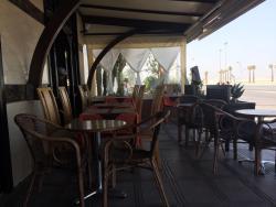 Restaurant cafe mogador
