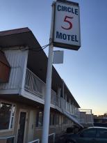 Circle 5 Motel