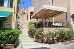 Teatro Bistro & Wine Bar