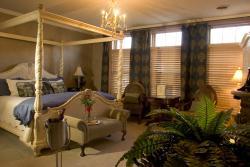 The Inn At Versailles