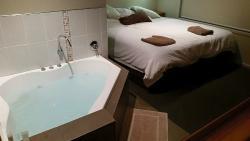 Cosy cabin, comfy bed