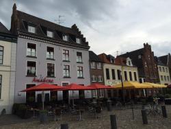 Amadeus Cafe Lounge