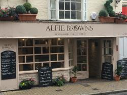 ‪Alfie Browns‬