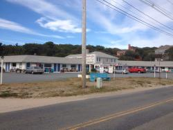 Breakwater Motel