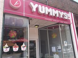 Yummys - Frozen Yogurt Lounge