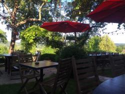 Soirée magnifique en terrasse a l'auberge des deux tonneaux.  Ici tout est parfait.