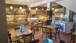 Pastelería Cafetería Los Alpes