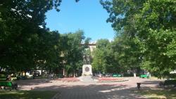 Памятник А. С. Пушкину и В. И. Далю