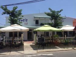 Quán cafe Le Petit Cafe