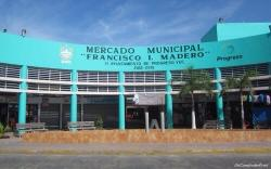 Parte frontal del mercado municipal