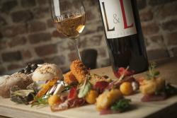 Wijnbar Restaurant de Lach