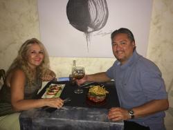 Nice Place, really good Food. Service was good, A+ for La Pelirroja Naomi. Gracias por tu atenci