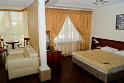 Pioneer Luxe Hotel