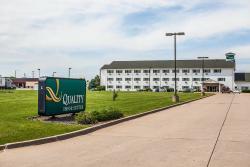 Quality Inn & Suites Eldridge On The Edge of Davenport Iowa