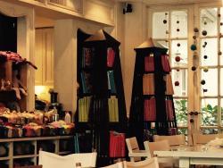 Big Knit Cafe