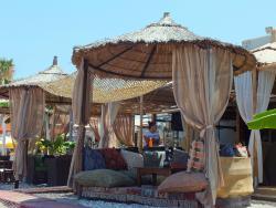 Papa's Beach Bar