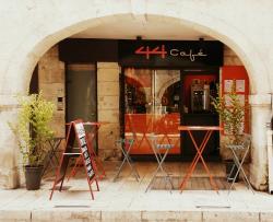 44 Café